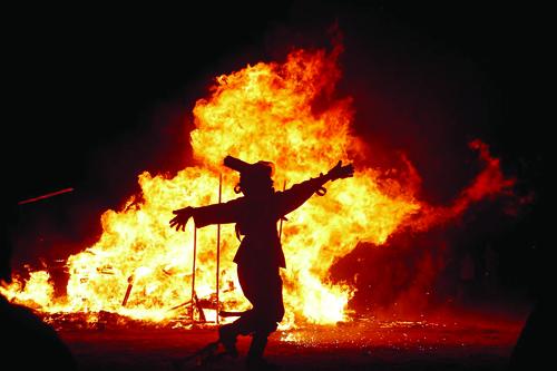 گمشدههای چهارشنبهسوری در کوچه پسکوچههای شهر / فقط آتش بازیاش مانده است