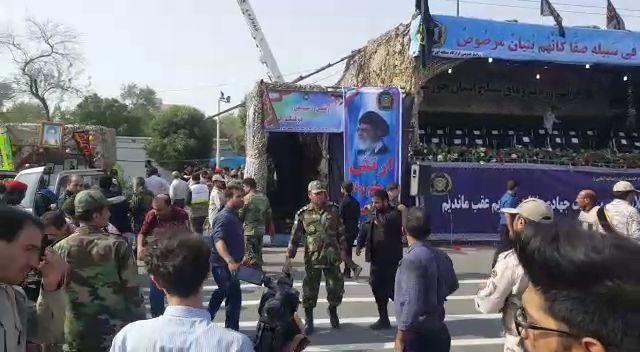 حمله تروریستی در رژه نیروهای مسلح در اهواز / مهاجمان لباس نظامی داشتند؛ تیراندازی ده دقیقه ادامه داشت +تصاویر