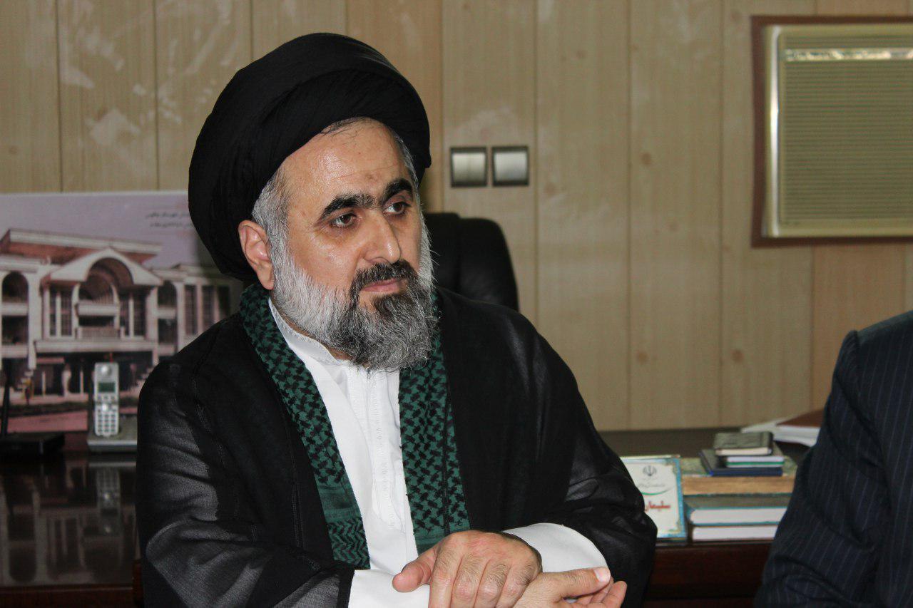 امام جمعه هچیرود: وحدت و همبستگی ملی راه برون رفت کشور از مشکلات است