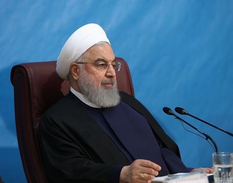روحانی: اصل ۵۹ قانون اساسی می گوید اگر در یک مسأله مهم سیاست خارجی، اختلاف نظر داریم، میتوانیم پای صندوق آراء برویم تا مشکل حل شود / باید شجاع باشیم، در این صورت کشور را نجات خواهیم داد