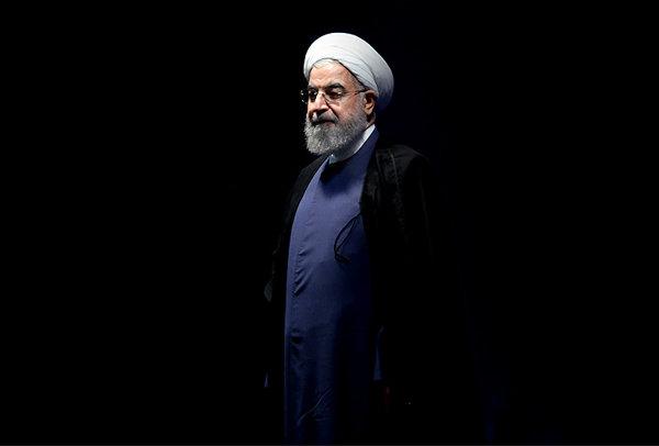 آقای روحانی! اگر از زمان سهمیهبندی بنزین، اطلاع نداشتید، استعفا دهید / یاد مهملگوییهای احمدینژاد را زنده کردید