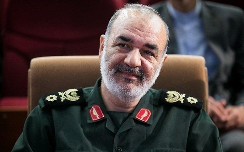 فرمانده سپاه: در صورت خطای محاسباتی دشمنان، راهبرد ما از دفاعی به تهاجمی تغییر میکند