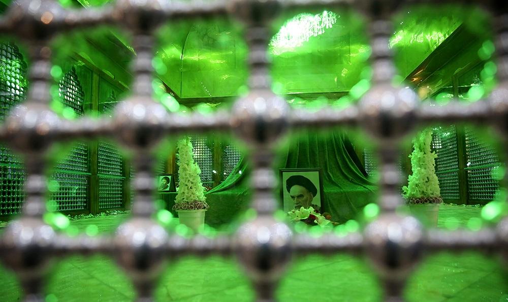 تصاویر / مراسم احیاء شب نوزدهم ماه مبارک رمضان در حرم مطهر امام خمینی (س)