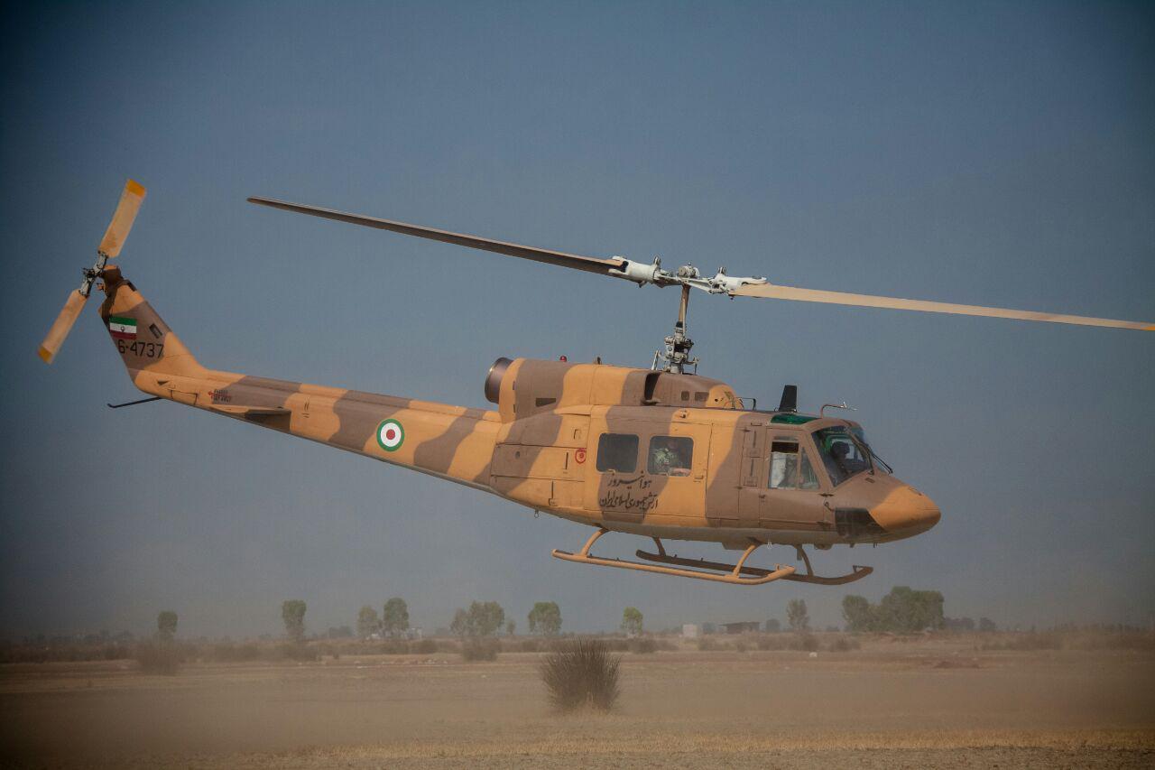 تصاویر / عملیات چتربازی تیپ ۵۵ هوابرد شیراز در جویبار