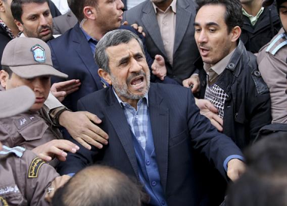 نظر الهام درباره رفتارهای اخیر احمدینژاد: خدا آقای دکتر احمدی را بیامرزد/خدا عاقبت همه ما را بهخیر کند