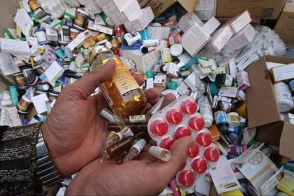 کشف ۵۷۰ شربت زایتیدن تقلبی و قاچاق از یکی از داروخانه های قائمشهر