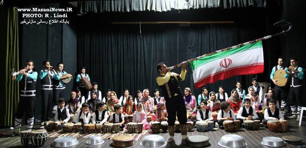 آخرین تمرین گروه موسیقی آوای تبری پیش از اجرای کنسرت تالار وحدت