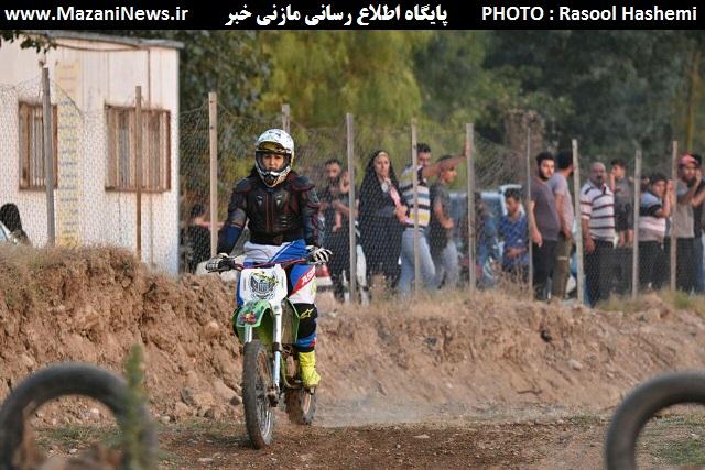 تصاویر / رقابت بانوان و آقایان موتورسوار در قائمشهر